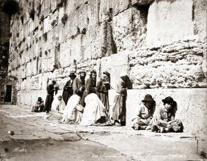 1870 photo showing Jews praying at the Western Wall. Credit: Felix Bonfils