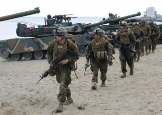 U.S. Marines participate in a U.S.-South Korea joint landing operation drill (Credit: Reuters)